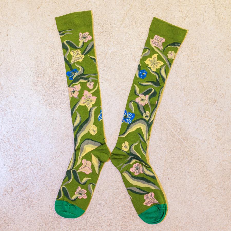 Calcetines largos verde estampados